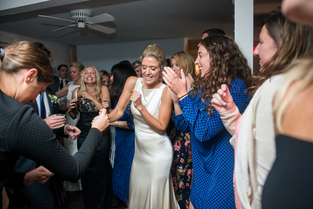 great-dance-party-wedding-photo