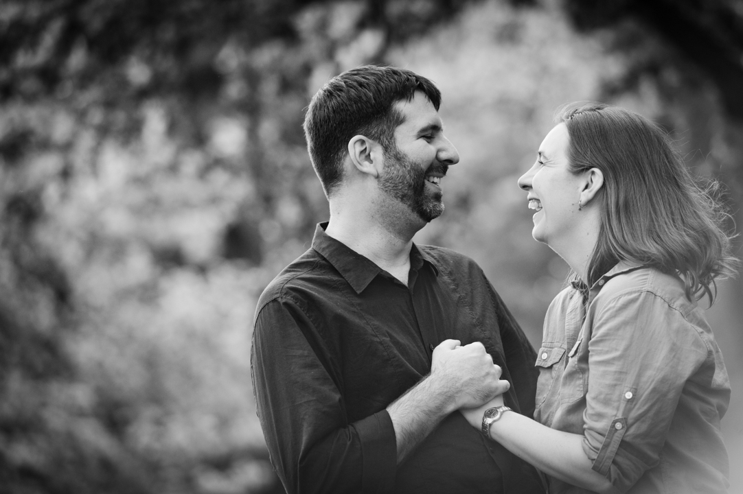 laughing-outdoor-engagement-portrait