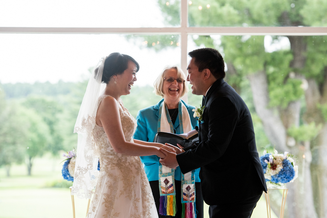 wedding-ceremony-authentic-laughter