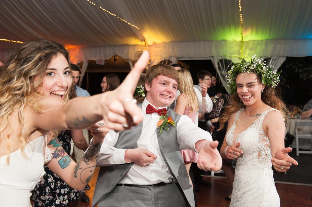 funny moment on the dance floor wedding dancing